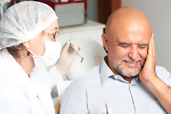 What Problems Can An Emergency Dentist Diagnose And Treat?
